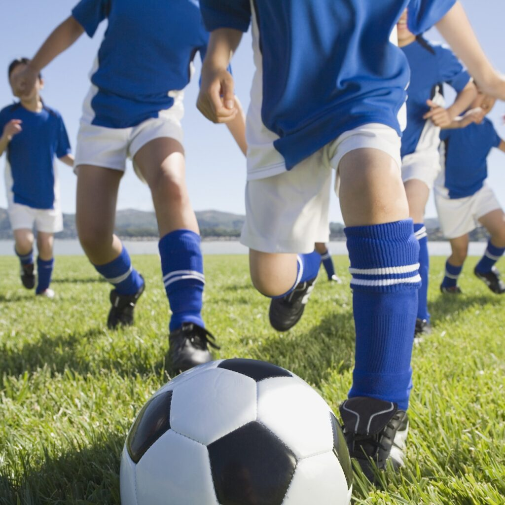Тренировки по футболу побеждают всемирную пандемию